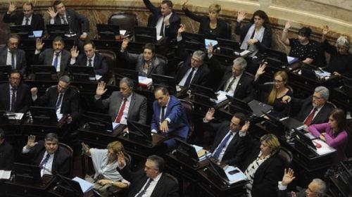 El peronismo aprobó la ley contra los tarifazos y le impuso una dura derrota al Gobierno