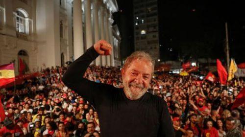 """Lula desde la cárcel: """"El tiempo de ellos se acaba en octubre"""""""