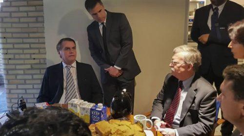 Bolsonaro estrecha lazos con la administración Trump