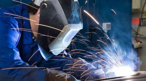 El gobierno intentará avanzar con flexibilización laboral en los metalúrgicos