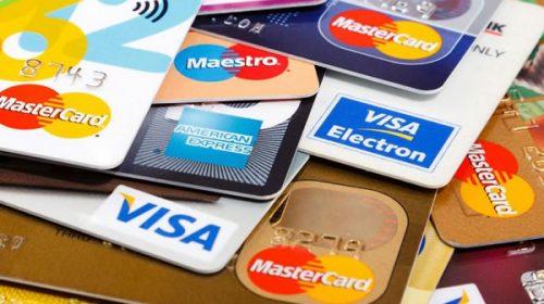 El Banco Central estableció un tope de 55% para las tasas de las tarjetas de crédito